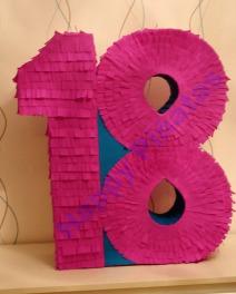 Nummer 18 Piñata - Farbe: Lila & Türkis  Maß: 50x44x14  Preis: 40 €